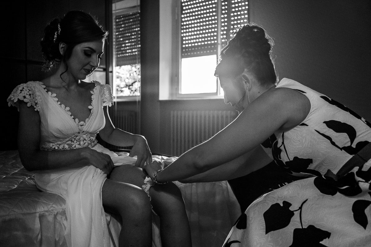 sposa-indossa-giarrettiera