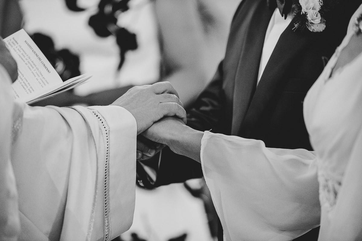 sposi-celbrano-matrimonio