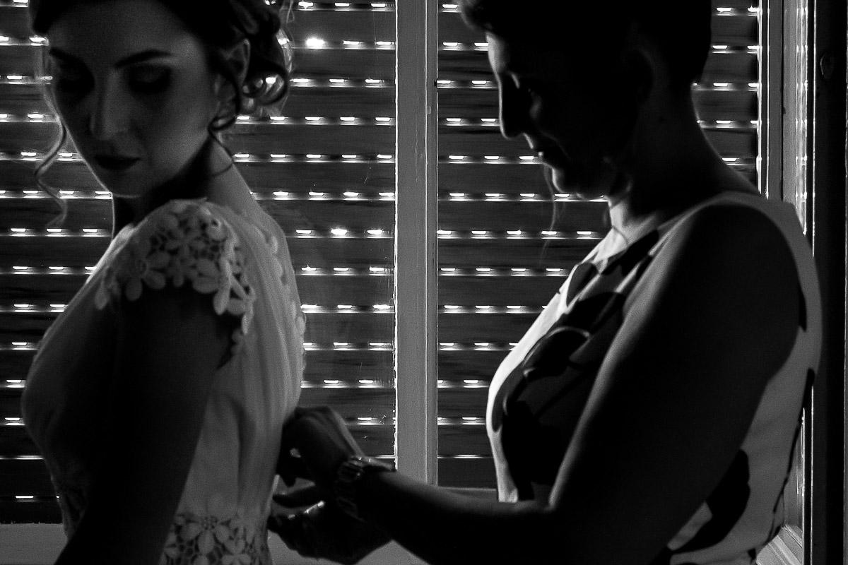 abito-sposa-vestizione-wedding